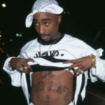 Tupac_alive
