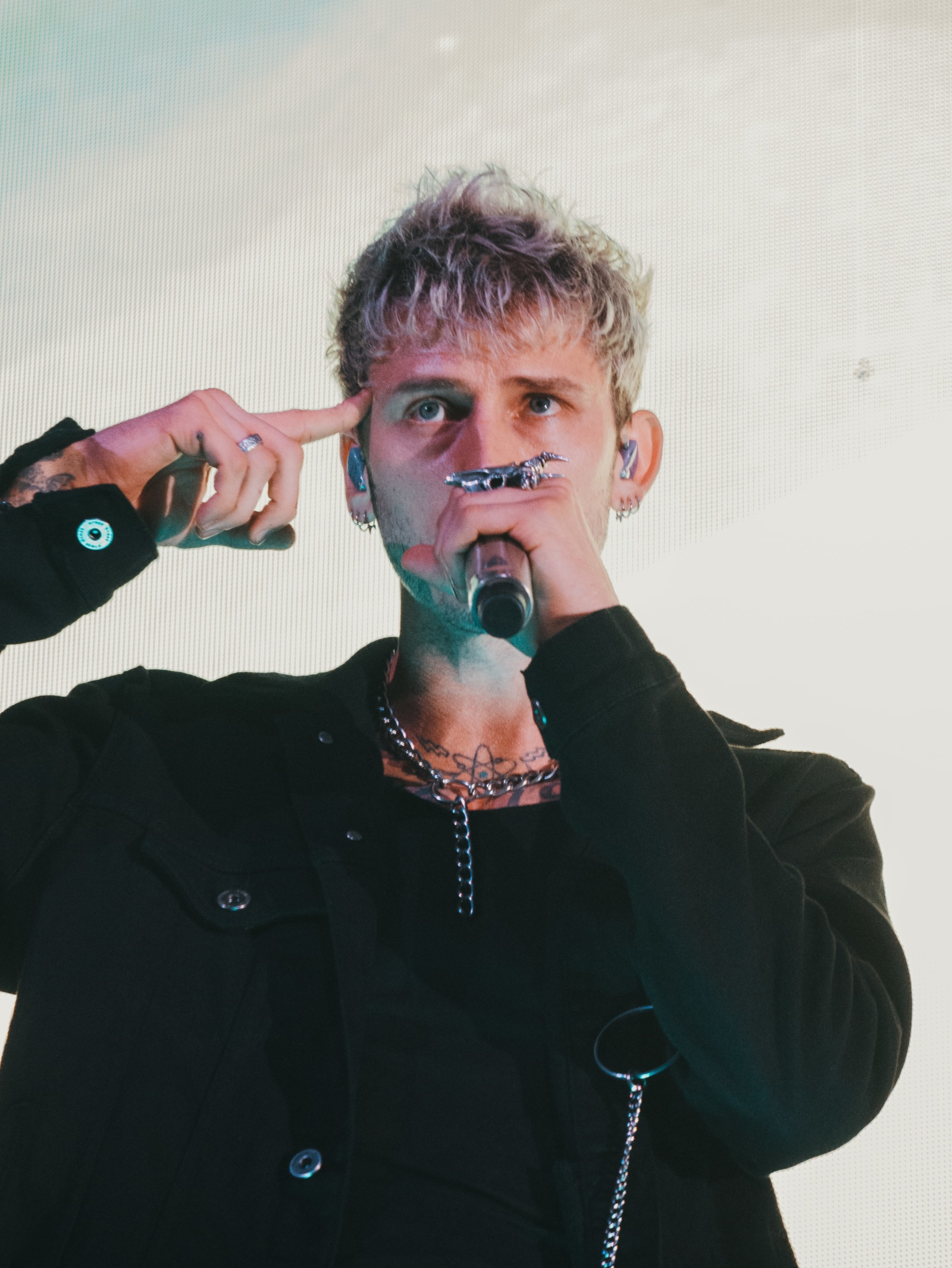 Machine Gun Kelly live Fabrique Milano (41)